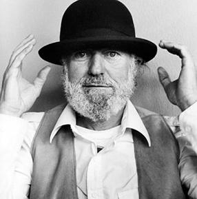 LawrenceFerlinghetti_NewBioImage